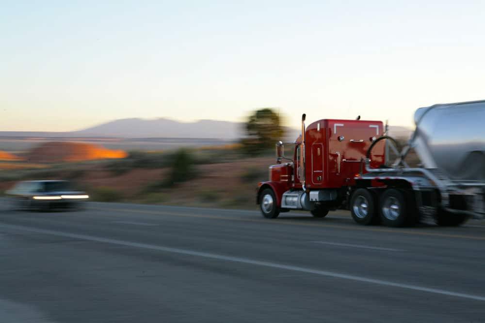 transport-marchandises-camion-citerne