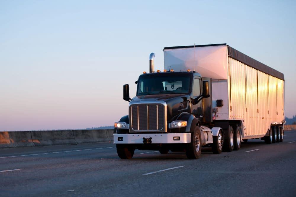 avantages-camion-remorques-fermees-transport-marchandises